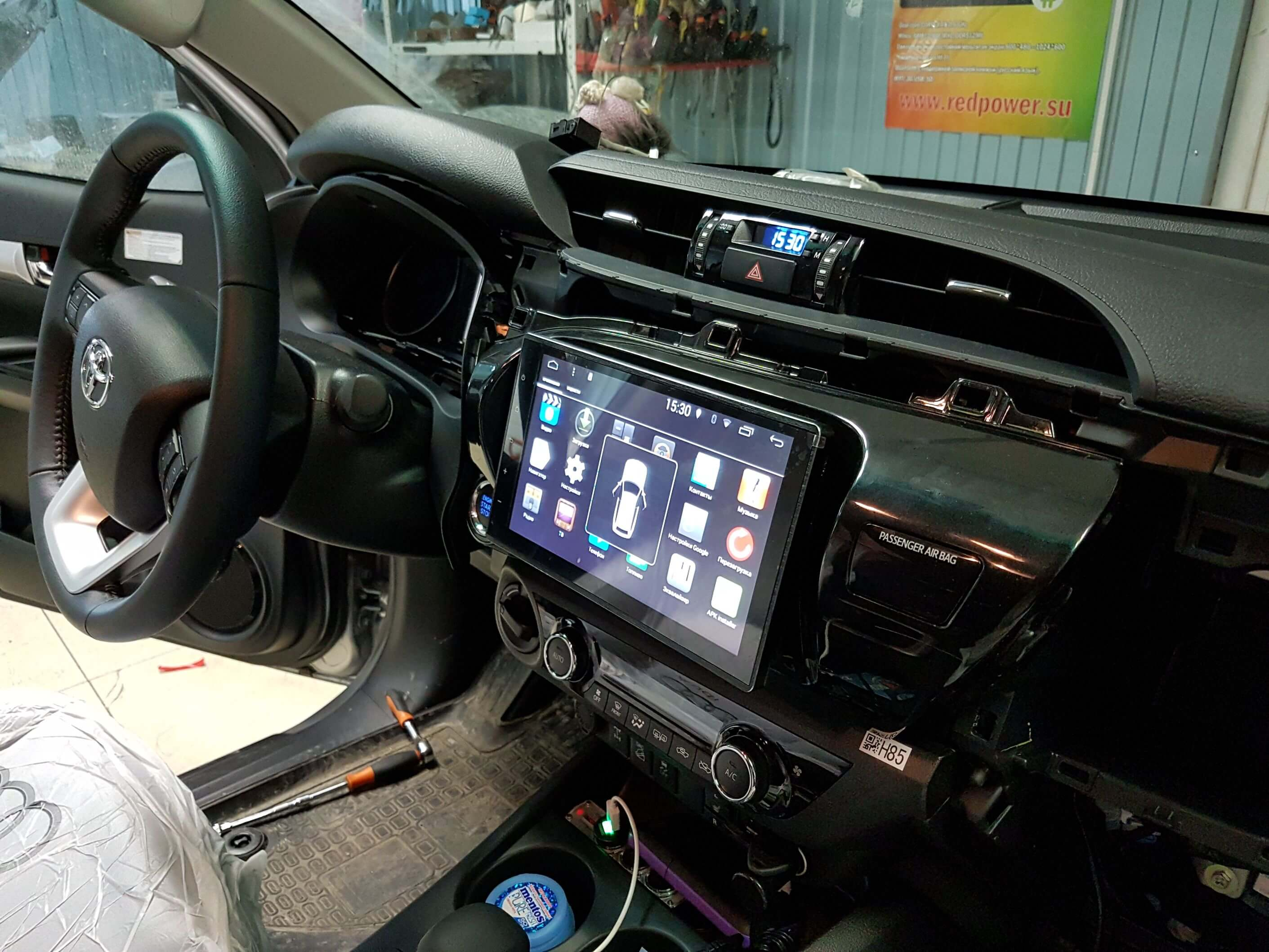 Штатное головное устройство Toyota Hilux, Fortuner автомагнитола Redpower 31186 IPS