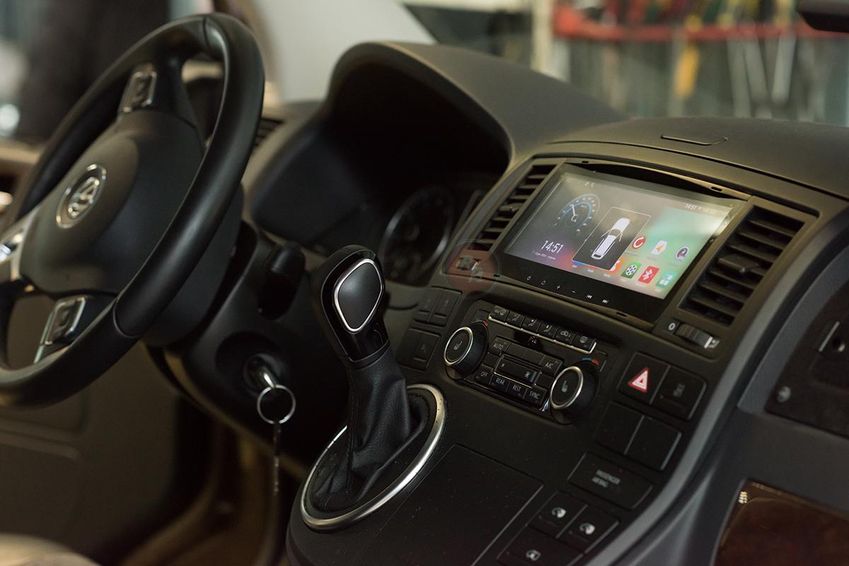 Автомагнитола штатная RedPower 21142B в Volkswagen Multivan 2014 г.