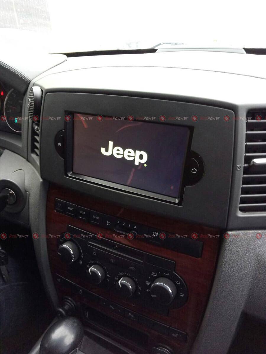 Магнитола RedPower 31220 DSP в автомобиле