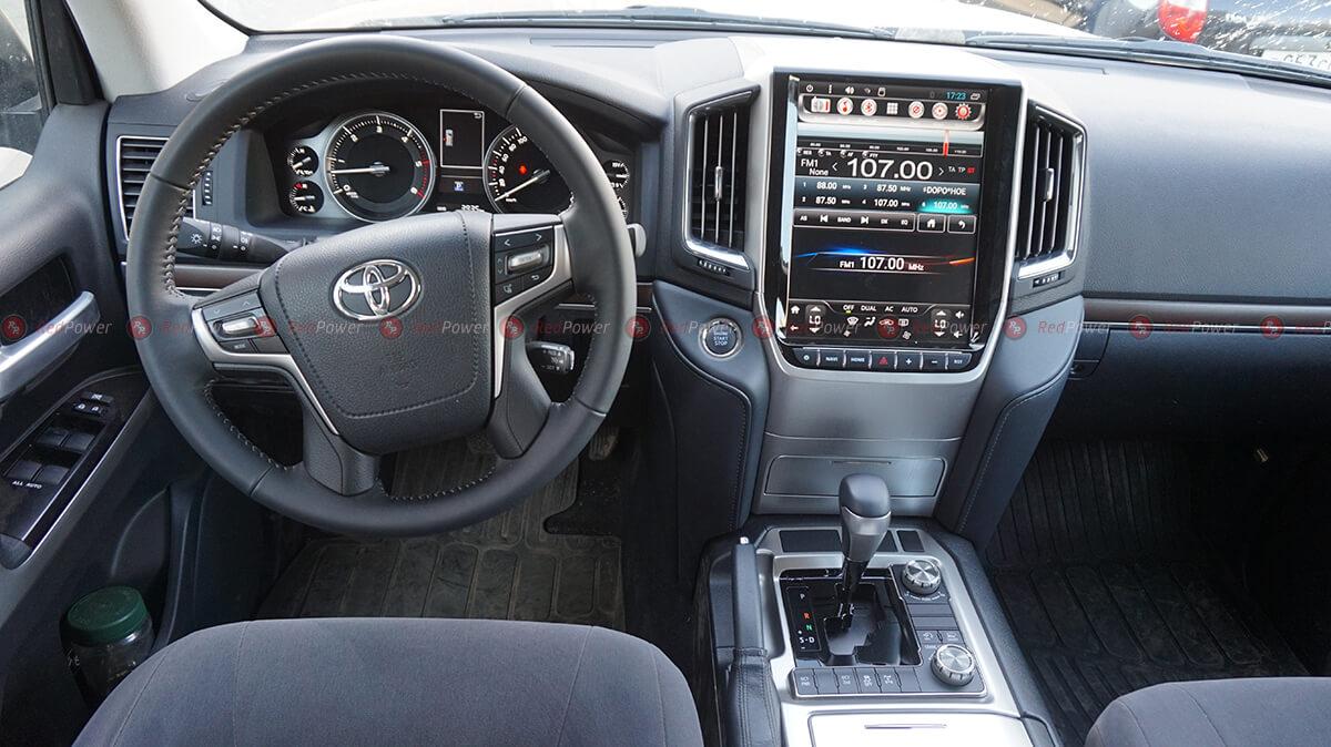Установка магниолы RedPower 31201 Tesla в Toyota Land Cruiser 200