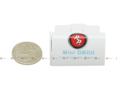 Диагностический адаптер Mini OBD-2 ELM327 Bluetooth сравнение размера с монетой. Монета в комплект поставки не входит